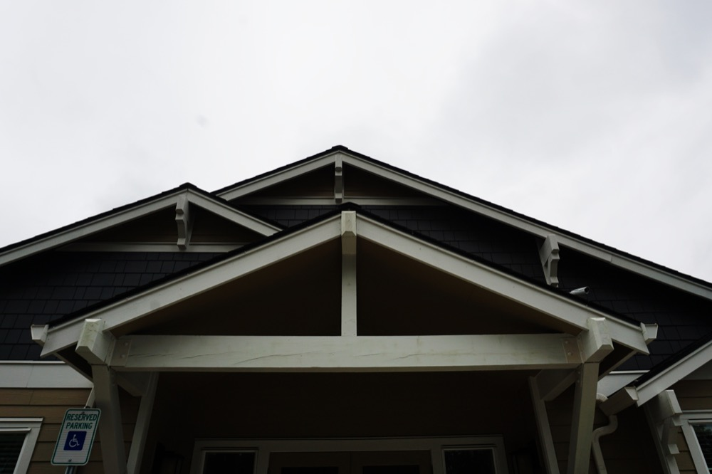 Smooth Transitions To The Roofing